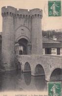Cp , 79 , PARTHENAY , La Porte Saint-Jacques - Parthenay