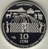 "@Y@   KYRGYZSTAN 2010 10 Som ""Construction Of The Yurta"" (+Box + Coa) - Kirghizistan"