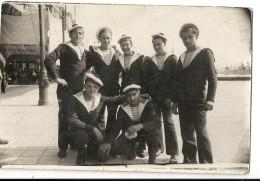 J 750 GROUPE DE MARINS A TOULON EN 1931 - Personnages