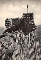 HAUTE LOIRE  43  SAINT JULIEN CHAPTEUIL   LA CROIX DE CHAPTEUIL DOMINANT LES RUINES DE L'ANCIEN CHATEAU ET LES ORGUES - France