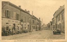 Dép 77 - Villevaude - Hôtel Souriaux - Grande Rue - A Gauche Café Epicerie - Mercerie - A Droite Motos - Side Car - état - Otros Municipios