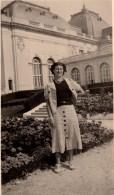 Photo Originale Femme - Jolie Jeune Femme Posant Devant Le Casino De Trouville Sur Mer ? 21.08.1937 - Lieux