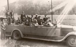 65Ch    04 Volonne Carte Photo Groupe De Personnes Dans Un Autocar Voiture Decouverte à Lourdes Tacot - Non Classés
