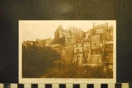 CP,  80 - SAINT-VALERY-sur-SOMME - L´Eglise Et Les Falaises - Saint Valery Sur Somme