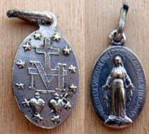 Mada-916 Médaille  Ovale En Ag (poinçon) Anagramme JB Ô Marie Conçue Sans Péché - Religion & Esotericism
