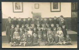 Darell Road Infants School, Richmond, Surrey 1922 Class W10 2 RP Postcard - Surrey