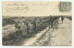LE BATALLION CYCLISTE AU COMBAT DEL 1906 1a GUERRA MONDIALE  VIAGGIATA FP - Francia