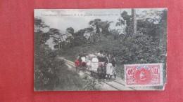 Krooboys C.F.A.O. Poussant Des Wagonnets Sur La Voie.  ----ref 2210 - Ivory Coast