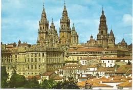 PV1165 - POSTAL - SANTIAGO DE COMPOSTELA - VISTA PARCIAL Y CATEDRAL - La Coruña