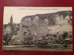 76 DIEPPE Habitations De Pecheurs Dans La Falaise - Dieppe