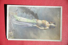 Mme MATA HARI - Danse Indienne - Donne Celebri