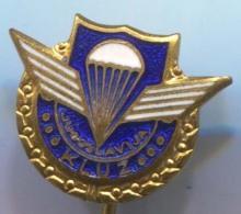 PARACHUTTING Jumps - Yugoslavia, Enamel, Vintage Pin, Badge - Parachutting