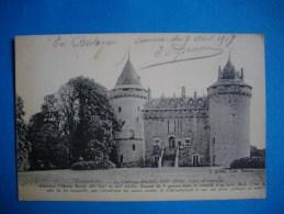 COMBOURG   -  35  -  Le  Château Féodal  -  Cour D'honneur  -  Ille Et Vilaine - Combourg