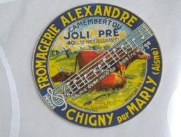 étiquette Fromage Aisne 02 Thiérache Fromagerie ALEXANDRE Chigny  Timbre Loi 1931 Vaches Partitions Musique Joli Pré - Fromage