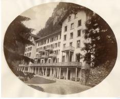 Suisse, Perspective D'hôtel à Identifier  Vintage Albumen Print  Tirage Albuminé   17x22   1 - Non Classificati