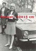 Reproduction D'une Photographie De France Gall Montrant Son Permis De Conduire Obtenu Avec Une Simca Auto-école à Paris - Reproductions