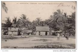 TAMATAVE: Cases Indigènes Du Quartier De La Pointe Hastie - Madagascar