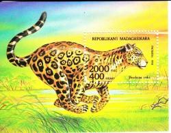 Madagascar MNH Scott #1189 Souvenir Sheet 2000fr Panthera Onca - Madagascar (1960-...)