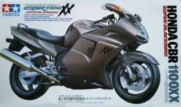 Honda CBR 1100 XX Super Blackbird 1/12 ( Tamiya ) - Motorcycles
