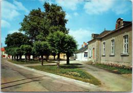 18 CHALIVOY MILON - La Mairie Et L'école. - Autres Communes