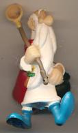 FIGURINE ASTERIX, PLASTOY (1997) : Panoramix (2 Scans) - Asterix & Obelix