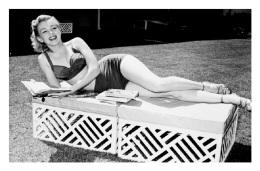 Marilyn Monroe Postcard (1163) - Publisher Pyramid Year 2011 - Size 9x14 Cm. Aprox. - Femmes Célèbres
