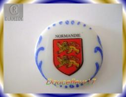 Clamecy ... Blasons De France De 93 ... Normandie...Ref AFF : 9-1993 .. ( Boite 1) - Frühe Figuren