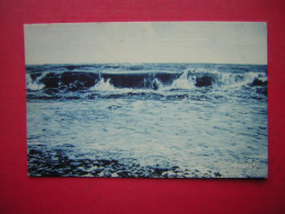 CPSM LA MER   TEXTE LE GRAND TAPIS PLISSE QUE FESTONNE L'ECUME SE MOIREDE BLANCHEURS AUX BAS FO ,ETC H T ANGOULINS 1928 - Postcards