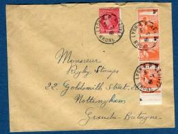 France- Enveloppe De Lyon Pour La GB En 1946   Voir 2 Scans   Réf. 926 - Marcophilie (Lettres)