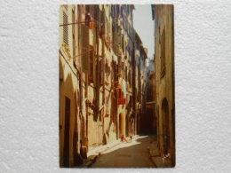 CPA 83 TOULON - Une Rue De La Vieille Ville 1973 - Toulon