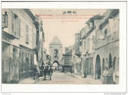 77 MORET SUR LOING  LA GRANDE RUE ET SES ANCIENNE MAISONS RECONSTITUEES CAVALCADE 1905 - Moret Sur Loing