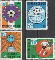 """NIGER 619-22 """"Fußball-Weltmeisterschaft Argentinien 1978"""" MNH / ** / Postfrisch - Niger (1960-...)"""