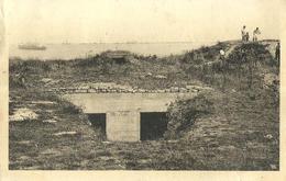 12 - CPA - ARROMANCHES - Les Blockhaus De La Falaise De Saint Côme De Fresne - (n&b) - Arromanches