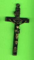 RELIGIONS - CROIX EN MÉTAL -9 X 4 Cm - 20 GRAMMES - - Religion & Esotérisme