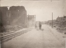Photo Juin 1916 ETAIN - Une Rue (A142, Ww1, Wk 1) - Etain