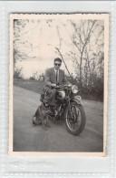 """05389 """"MOTOCICLETTA TRIUMPH ANNI '40 - TRIUMPH BIKE YEARS '40"""" ANIMATA. FOTOGRAFIA ORIGINALE - Moto"""