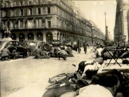 Libération De Paris (Aout 1944) - Tirage Photo Originale - 24 (L) X 18 (H) - Au Coeur De L´histoire - A Voir - Lot 15662 - Guerre, Militaire