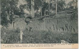 ASIE - CAMBODGE - ANGKOR THOM - Terrasse - Détail - Des éléphants Grandeur Naturelle Sont Sculptés.... - Cambodge