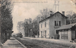 24 - Château-l´Evêque - La Gare Animée - Autres Communes
