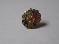 Pin's Police / Moniteur De Tir - Val De Marne (EGF) Hauteur: 1,5 Cm - Police