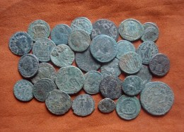 Roman Bronze Coin - Lotti