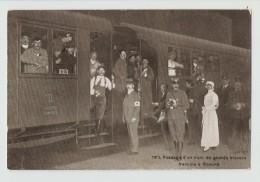 915. Passage D'un Train De Grands Blessés Français à Genève. Edition Lux Genève. Carte Postale Ayant Voyagé En 1915, Dos - Guerre 1914-18