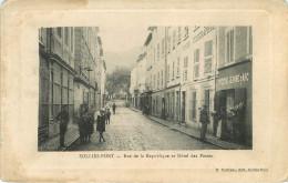 Dép 83 - Sollies Pont - Rue De La République Et Hôtel Des Postes - A Droite Epicerie Jeannne D´Arc - 2 Scans - état - Sollies Pont