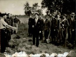 Image Des Massacres De Romainville - Seconde Guerre Mondiale - Tirage Photo Originale  - 24 (L)X18 (H) - Lot 15726 - Guerre, Militaire