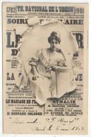 Théâtre National De L´Odéon - Actrice Sur Fond D'affiche Du 23 Décembre 1901 - Théâtre