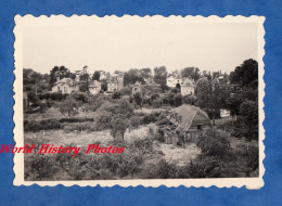 Photo Ancienne - TROUVILLE Sur MER ( Calvados ) - Vue Sur Des Villas - 1955 - Places