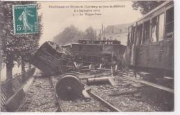 Bernay Déraillement De L´Express De Cherbourg En  Gare De Bernay Le 10 Septembre 1910 Wagon Poste N°3 - Bernay