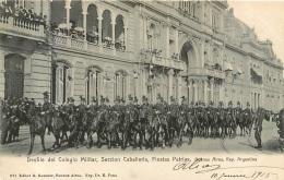 BUENOS AIRES  DESFILE DEL COLEGIO MILITAR SECCION CABALLERIA FIESTAS PATRIAS - Argentinië