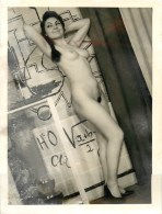 JEUNE FEMME NUE -PHOTOGRAPHIE D´EPOQUE (12 X 9 Cm) - CURIOSA - PHOTOGRAPHE ANONYME. D2BUT DES ANN2ES 60 - Beauté Féminine (1941-1960)