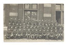 Caserne De BORGERHOUT (Antwerpen / Anvers ) Groupe De Militaires, Soldats - Armée Belge( CHA) - Casernes